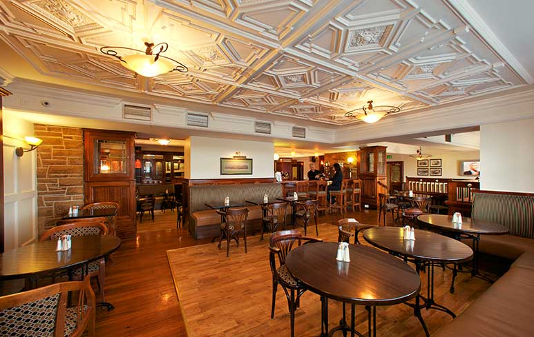 The walter raleigh hotel youghal for Bar food youghal