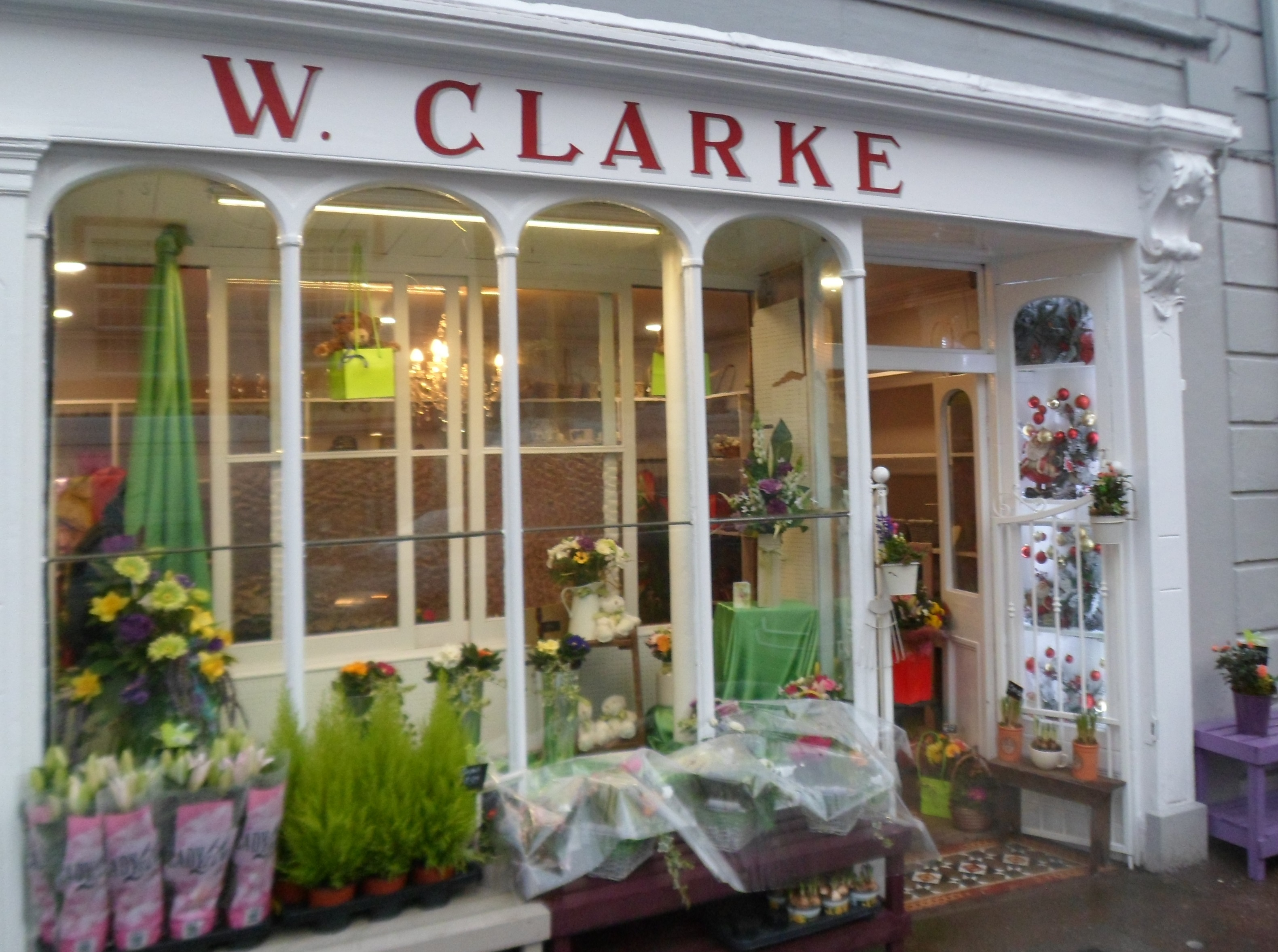 Kays flowers at clarkes youghal for Bar food youghal